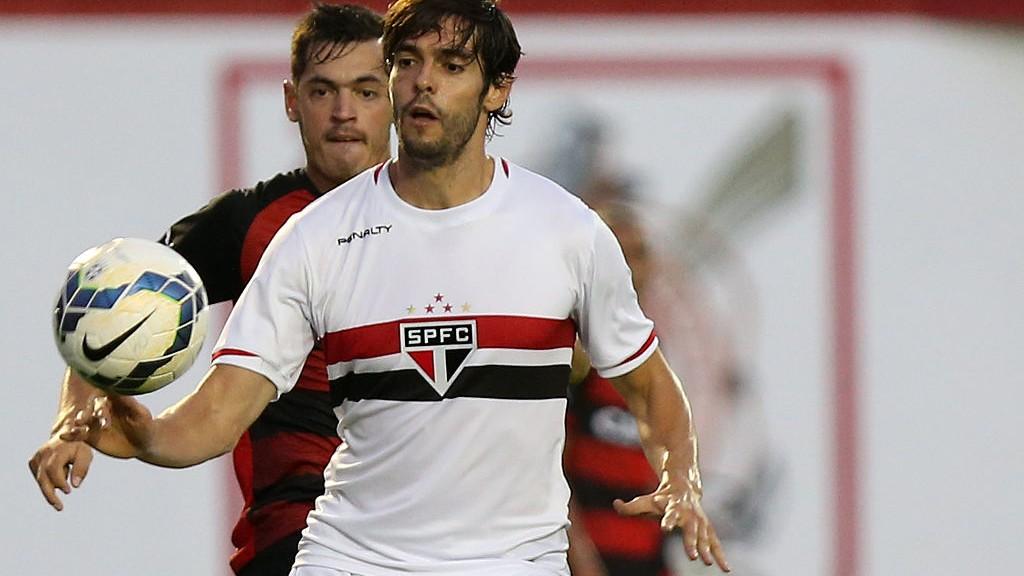 Vitoria-v-Sao-Paulo-Brasileirao-Series-A-2014-1544105063.jpg